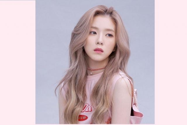 tóc uốn lọn to màu hồng khói