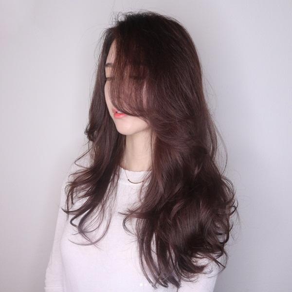 tóc uốn setting nhẹ phần đuôi