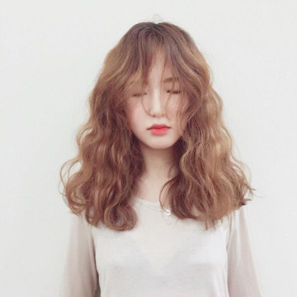 tóc uốn xoăn dập sóng bồng bềnh