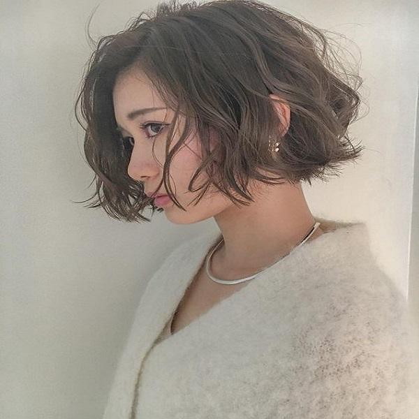 tóc uốn ngắn đánh rối đẹp