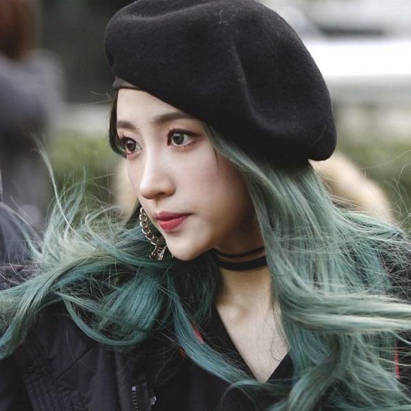 tóc uốn xoăn nhuộm màu