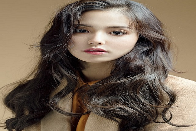 tóc uốn xoăn sóng nước