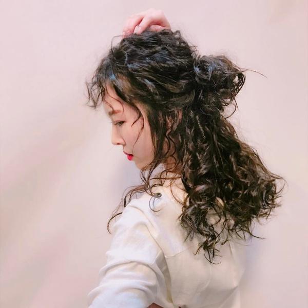 tóc uốn xoăn xù mì