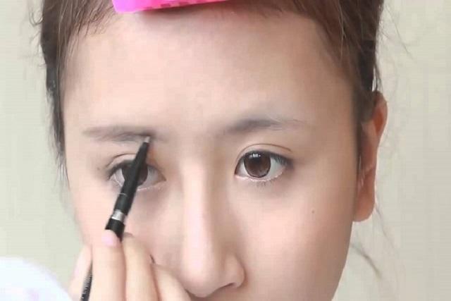 trang điểm cho lông mày và mắt