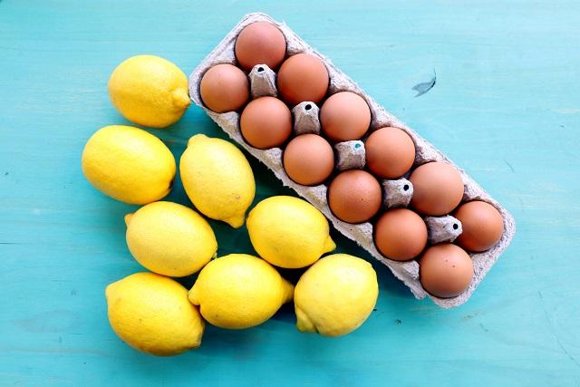 trứng gà và chanh