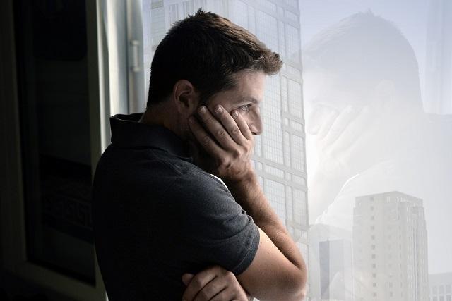 người đàn ông buồn