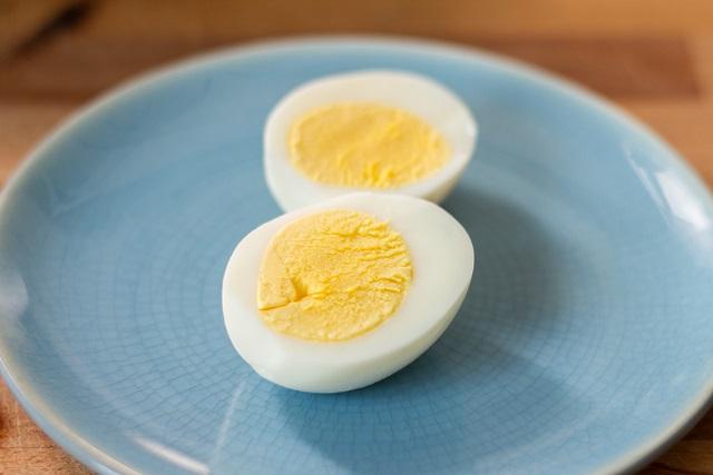 quả trứng gà luộc