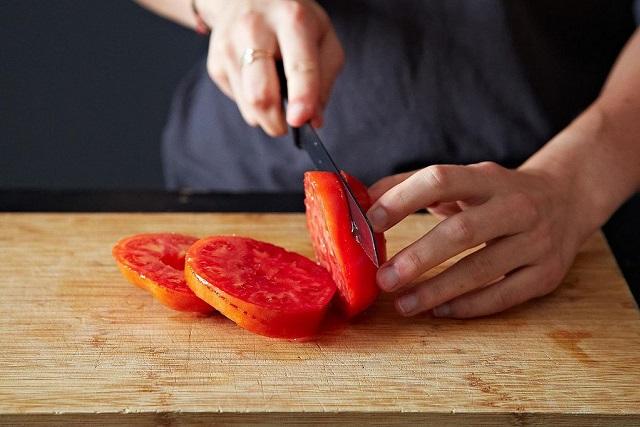 cà chua cắt khoanh