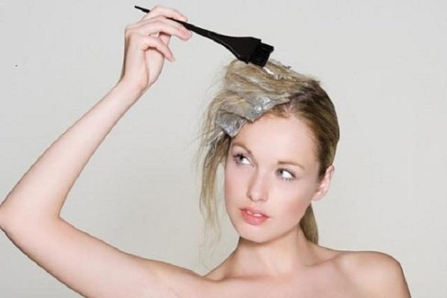 dùng nhiều hóa chất khiến sau sinh 4 tháng bị rụng tóc
