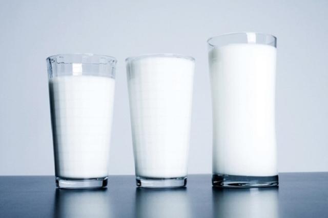 lưu ý khi uống sữa tươi sau sinh