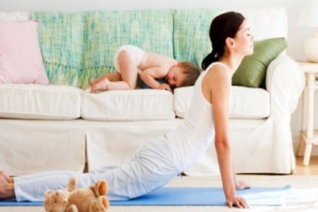 sau sinh 1 tháng đi làm được chưa và mẹ cần chú ý vận động nhẹ nhàng