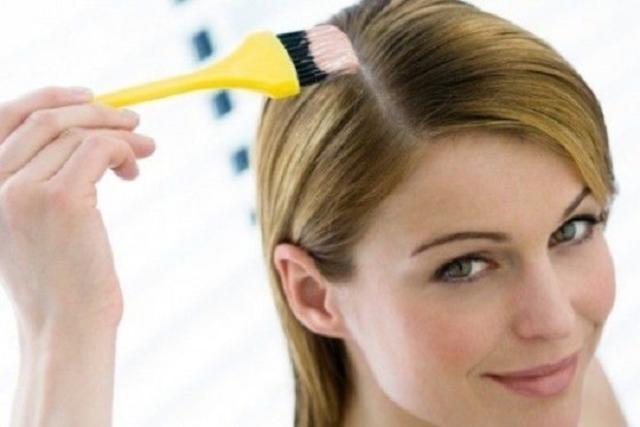 sau sinh 4 tháng có nên nhuộm tóc không và chỉ nên nhuộm từ 6 tháng trở lên