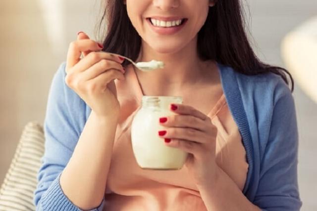sau sinh có được ăn sữa chua hay không