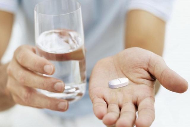 sau sinh có nên uống canxi