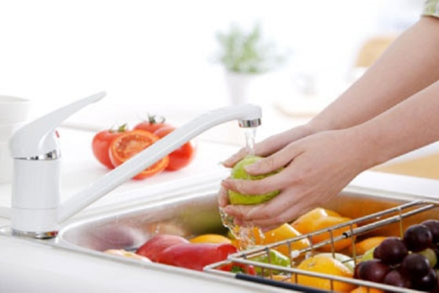 sau sinh mổ ăn được trái cây gì và nên rửa sạch trái cây trước khi ăn