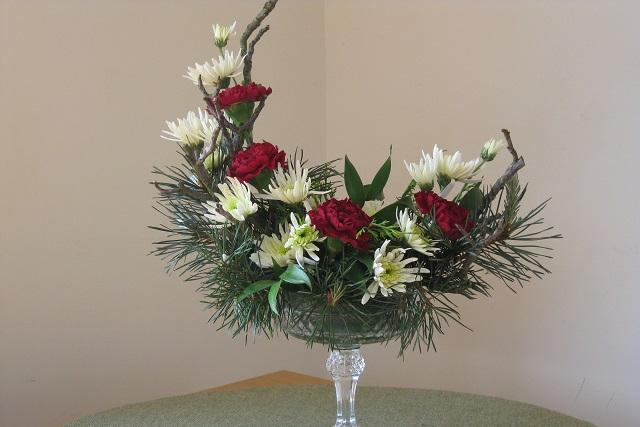 cắm hoa hình lưỡi liềm