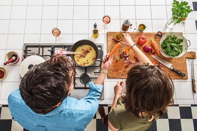 cùng nhau nấu ăn
