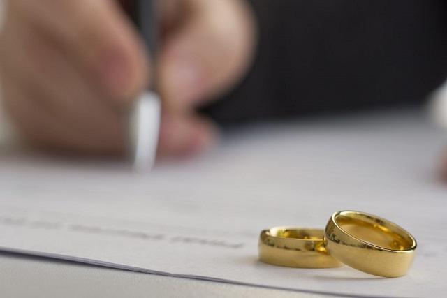 ký đơn ly hôn