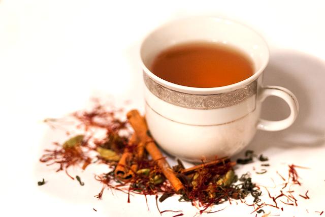 nước trà saffron