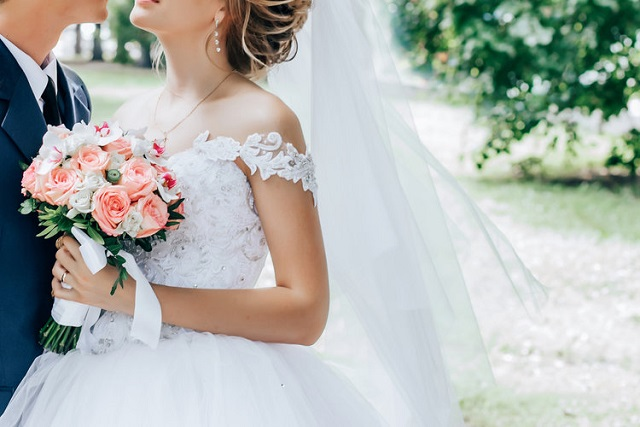 sau kết hôn kỷ niệm ngày cưới làm gì cho lãng mạn