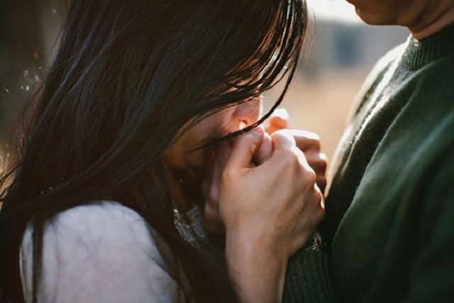 5 cách níu kéo tình yêu ngu ngốc