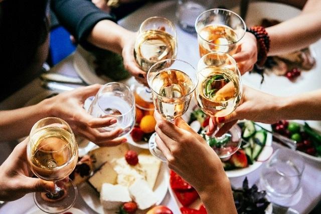 dâng hiến cái ngàn vàng sau tiệc rượu
