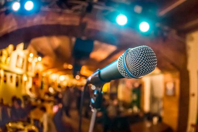 đi hát karaoke