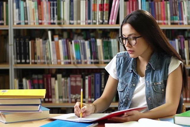 học ở thư viện