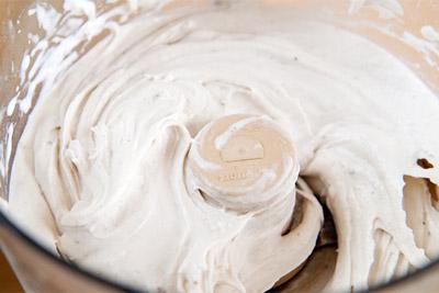 Cách làm kem tại nhà bằng máy xay sinh tố