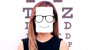 Cách chọn kính cận phù hợp với khuôn mặt nữ