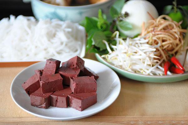 Cách nấu bún bò huế chính gốc của người Huế