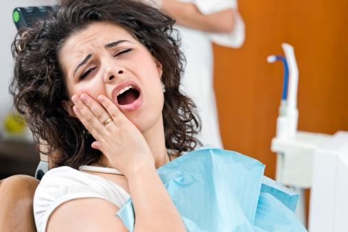 Cách chữa nhức răng nhanh nhất tại nhà bằng mẹo dân gian