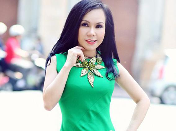 Tiểu sử diễn viên hài Việt Hương và gia đình