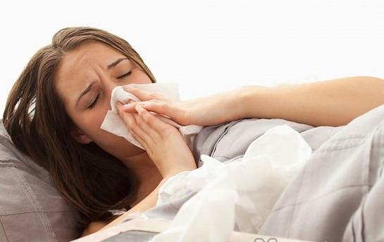 Cách chữa viêm họng sổ mũi cho bà bầu bằng đông y