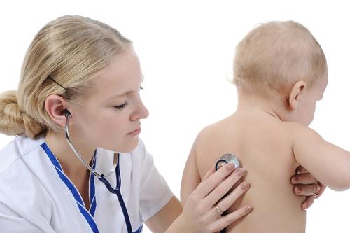 Triệu chứng bệnh nhiễm trùng máu ở trẻ em & cách điều trị