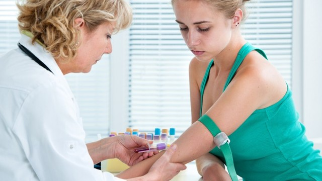 xét nghiệm máu để biết có thai có chính xác không