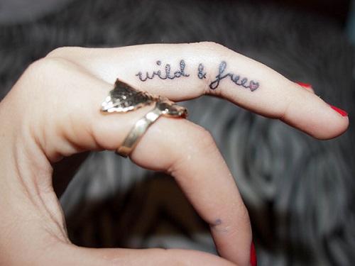 Hình xăm nhỏ đẹp ở ngón tay nhỏ, đẹp nhưng đầy ý nghĩa