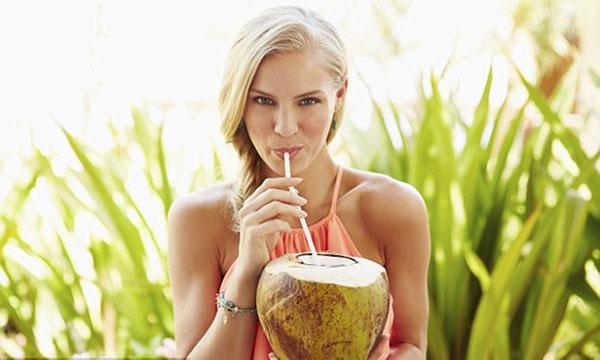 Mang thai bao nhiêu tuần thì được uống nước dừa?