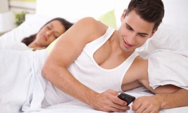 Đàn ông ngoại tình nhưng không bỏ vợ?