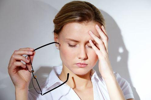 Nháy mắt phải liên tục trong nhiều ngày báo điềm gì?