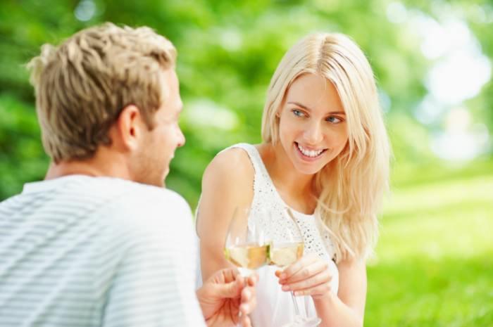 Đàn ông lớn tuổi thích gì ở phụ nữ?