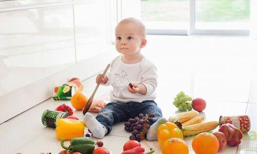 Có nên cho trẻ sơ sinh uống nước cam không?